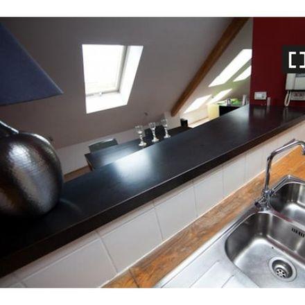 Rent this 1 bed apartment on Athénée Fernand Blum (Roodebeek) in Tunnel Cortenbergh - Kortenbergtunnel, Schaerbeek - Schaarbeek