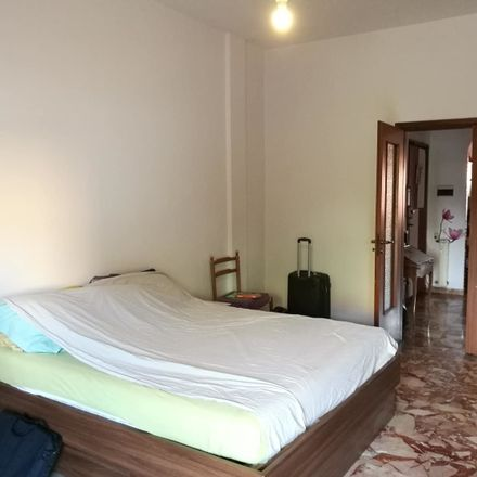 Rent this 2 bed room on via Baracca 231 50127