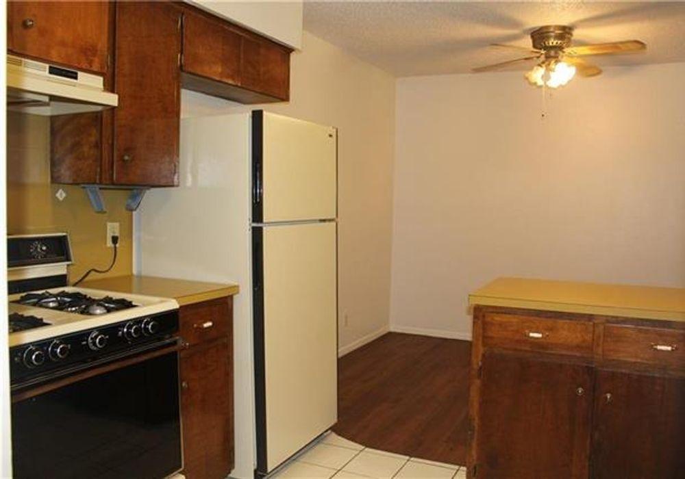 2 bed duplex at 6801 Mini Circle, Austin, TX 78745, USA ...