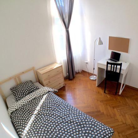 Rent this 9 bed room on Budapest in Üllői út 36, 1092