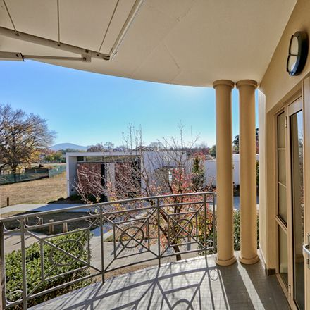 Rent this 2 bed apartment on 4/55 Stuart Street