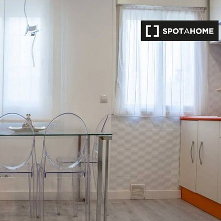 Rent this 1 bed apartment on Stop Madrid in Calle de Jesús, 4