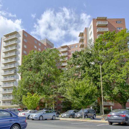 Rent this 3 bed apartment on 4800 Kenmore Avenue in Alexandria, VA 22304