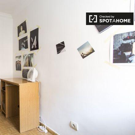 Rent this 2 bed apartment on Compañía de Cervezas Valle del Kahs in Calle de Enrique Velasco, 21