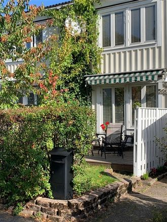 Rent this 3 bed house on Ribegatan in 164 34 Eggeby, Sweden