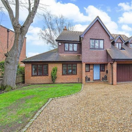 Rent this 5 bed house on Gower Road in Elmbridge KT13 0EN, United Kingdom