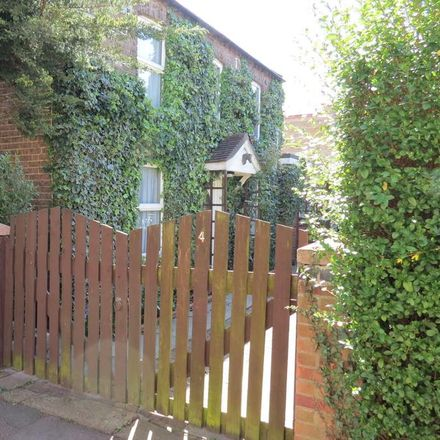 Rent this 2 bed house on Bedford Road in St Neots PE19 1AX, United Kingdom