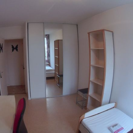 Rent this 4 bed room on 33 Avenue Washington in 38100 Grenoble, France