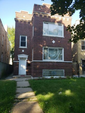 Rent this 2 bed townhouse on 1730 North Luna Avenue in Chicago, IL 60639