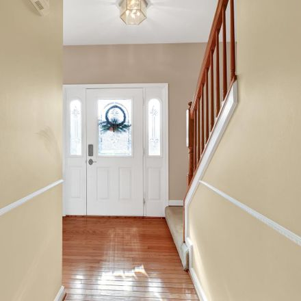 Rent this 3 bed house on 17 Brightoak Court in Carney, MD 21234