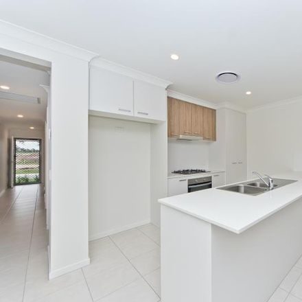 Rent this 4 bed house on 27 Harvey Place