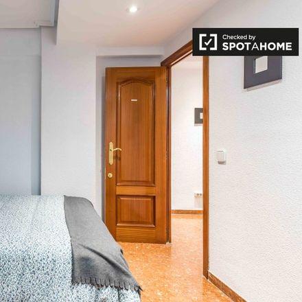 Rent this 9 bed apartment on Bar Cafeteria La Esquina in Carrer de la Pobla de Farnals, 46016 Valencia
