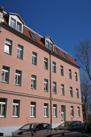 Rent this 3 bed apartment on Dieskauer Straße 7 in 06112 Halle (Saale), Germany