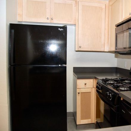 Rent this 2 bed apartment on 1348 N Sierra Bonita Ave in Los Angeles, CA 90046