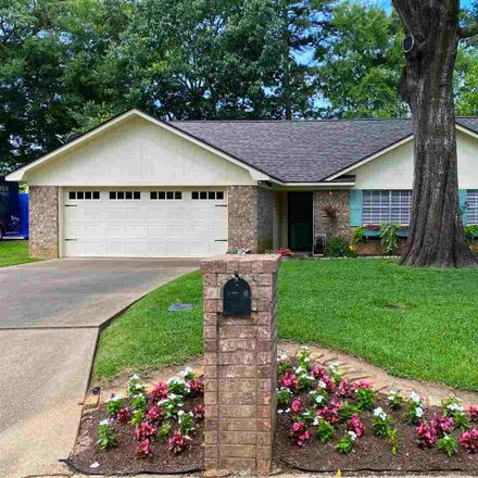 Rent this 3 bed house on 1107 Kensington Court in Longview, TX 75605