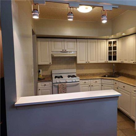 Rent this 3 bed condo on 32 Sutton Pl in Fresh Meadows, NY