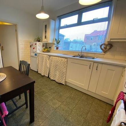 Rent this 3 bed house on Dunkirk Avenue in Desborough NN14 2PL, United Kingdom