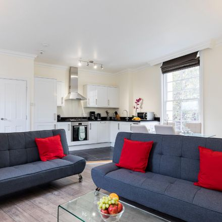 Rent this 1 bed apartment on 44 New Oxford St in Holborn, London WC1A 1ES