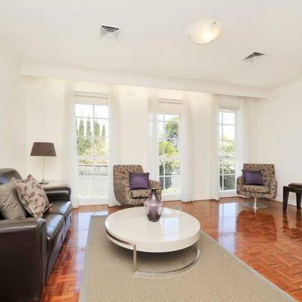 Rent this 2 bed townhouse on 4/71 Robinson Road