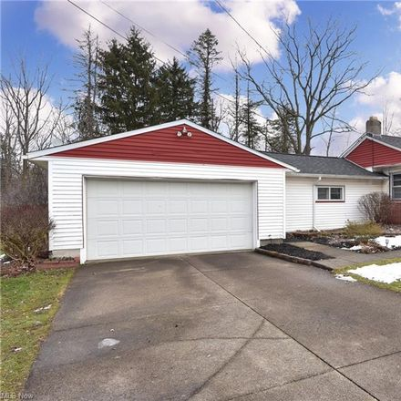Rent this 2 bed house on Darnell Dr in Akron, OH