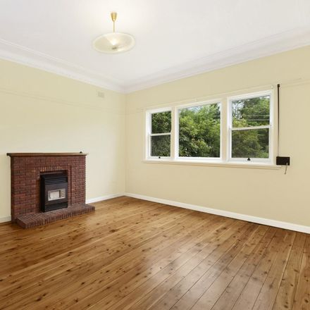 Rent this 3 bed house on 103 North  Road