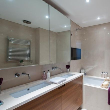 Rent this 3 bed apartment on 235-237 Baker Street in London NW1 6XE, United Kingdom