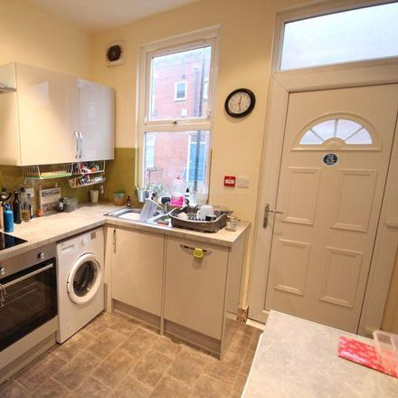 Rent this 6 bed house on Back Manor Terrace in Leeds LS6 1DP, United Kingdom