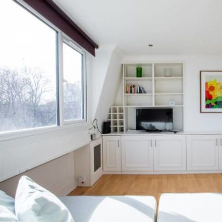 Rent this 2 bed apartment on 1 Warwick Road in London SW5 9UG, United Kingdom