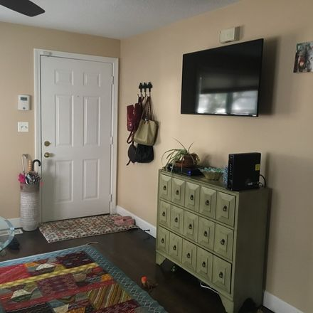 Rent this 1 bed room on 948 Broadway in Chelsea, MA 02150