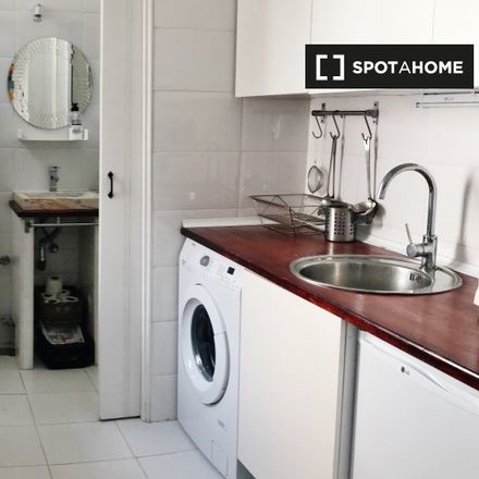 Rent this 1 bed apartment on Hnos Valdivieso in Calle de Sebastián Elcano, 28001 Madrid