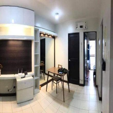 Rent this 2 bed condo on Parañaque in 1713, Philippines
