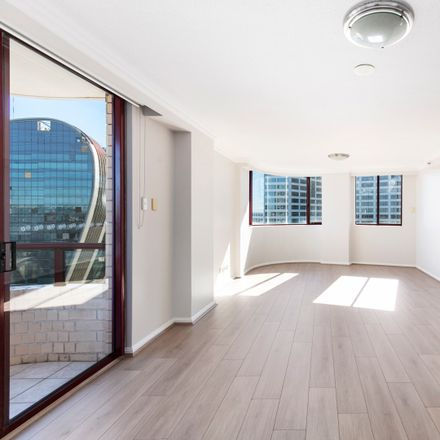 Rent this 3 bed apartment on 314/158 Day Street