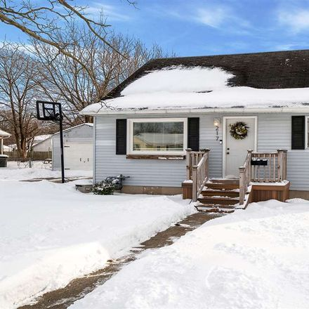 Rent this 3 bed house on W Renrose Ave in Loves Park, IL