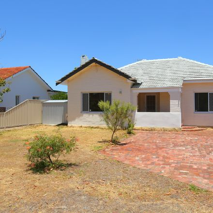 Rent this 3 bed house on 7 Parsons Avenue