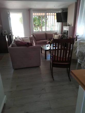Rent this 2 bed apartment on Nik. Katechaki 34 in Iraklio 713 07, Grecia