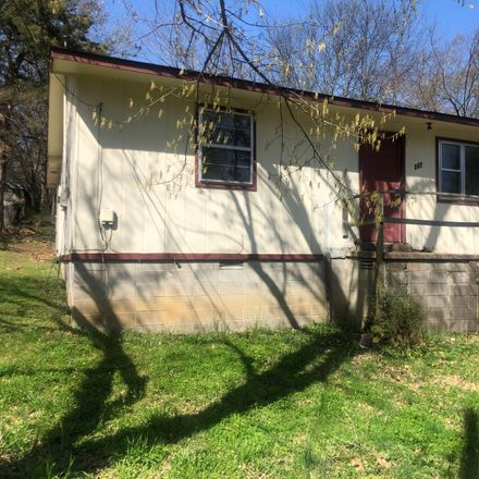 Rent this 3 bed house on Warren St in Pocahontas, AR