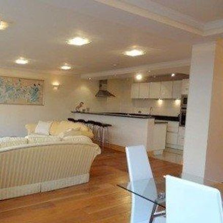 Rent this 2 bed apartment on The Terraces in 12 Queen's Terrace, London NW8 6DR