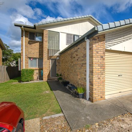 Rent this 3 bed townhouse on 33/14 Bourton Road