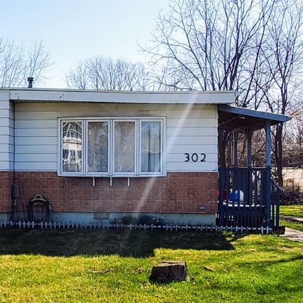 Rent this 3 bed house on 302 South Madison Street in Towanda, IL 61776