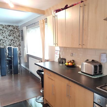 Rent this 3 bed house on Addison Road in London SE25 4LP, United Kingdom