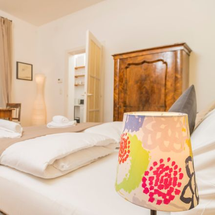 Rent this 1 bed apartment on Lainzer Straße 15 in 1130 Vienna, Austria