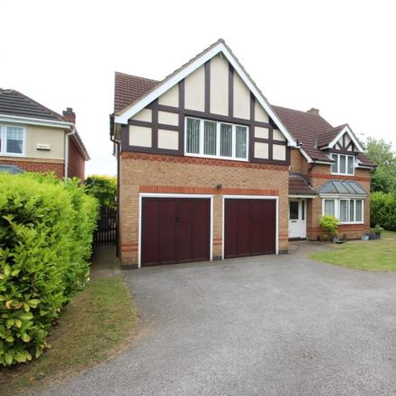 Rent this 5 bed house on Tattershall Close in Grantham NG31 8SU, United Kingdom