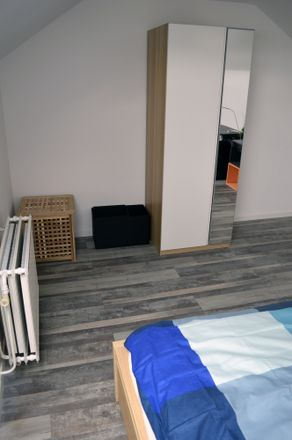 Rent this 4 bed room on Rue Julien Dulait in 6001 Charleroi, Belgium