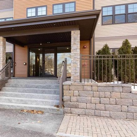 Rent this 2 bed condo on US Hwy 1 Byp in Portsmouth, NH