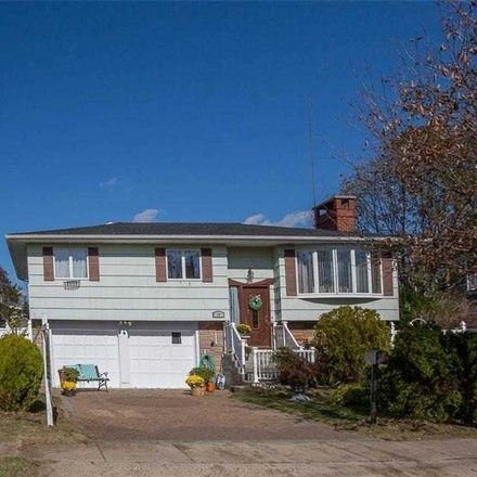Rent this 4 bed apartment on 10 W Saltaire Rd in Lindenhurst, NY