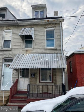 Rent this 3 bed townhouse on 408 Orange Street in Reading, PA 19602