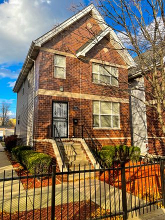 Rent this 3 bed house on 1216 East 63rd Street in Chicago, IL 60637