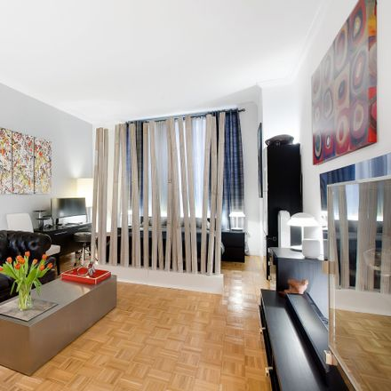 Rent this 1 bed condo on 350 East 82nd Street in New York, NY 10028