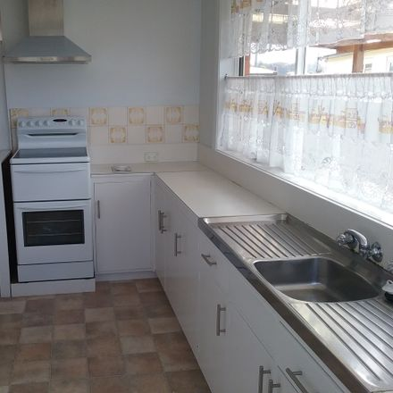 Rent this 3 bed house on 88 Queen Street