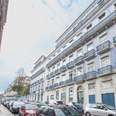 Rent this 19 bed room on Calçada Marquês Abrantes 48 in 1200-808 Lisboa, Portugal